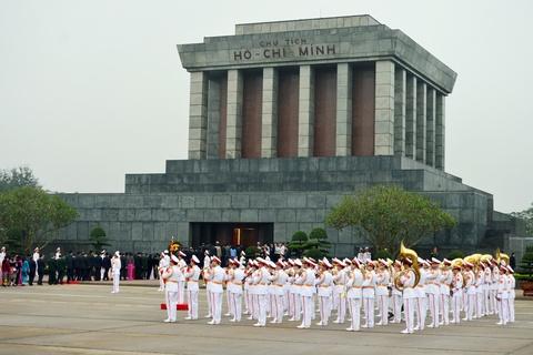 Lanh dao Dang, Nha nuoc vieng lang Chu tich Ho Chi Minh hinh anh 1