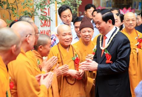 Chu tich nuoc dang huong mung dai le Phat dan hinh anh 2