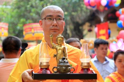 Chu tich nuoc dang huong mung dai le Phat dan hinh anh 6