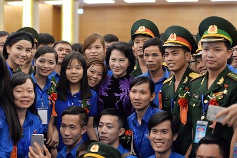 445 thanh nien tiep kien Chu tich QH Nguyen Thi Kim Ngan hinh anh 14