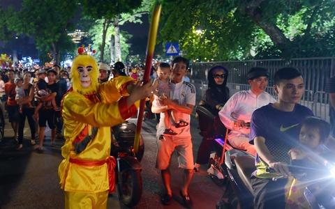Nguoi Ha Noi, Sai Gon ra duong don Trung thu hinh anh 13