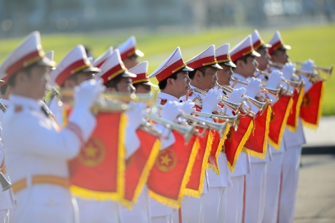 Doan dai bieu Quoc hoi vieng Chu tich Ho Chi Minh hinh anh 7