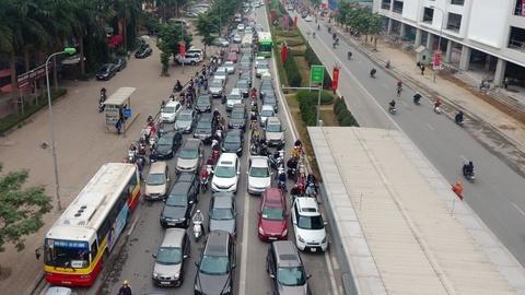 Nhung tinh huong buyt nhanh BRT bi oto, xe may can tro hinh anh 5