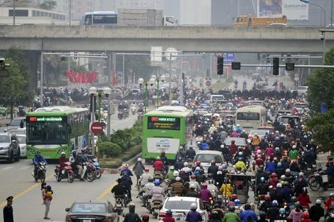 Nhung tinh huong buyt nhanh BRT bi oto, xe may can tro hinh anh 7