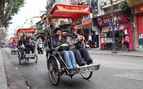 Pho phuong Ha Noi khac thuong ngay dau lam dep via he hinh anh