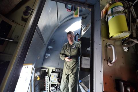 Bên trong 'hung thần trên không' C130J của Không quân Mỹ