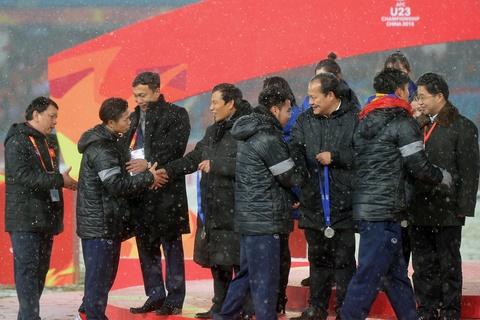 HLV Park Hang-seo than tho giau nuoc mat sau lung hoc tro hinh anh 9