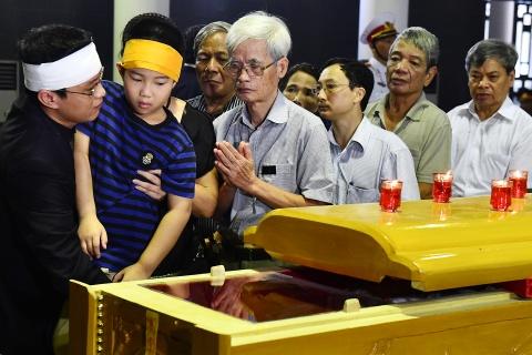 Lanh dao Dang, Nha nuoc va ban be tien biet giao su Phan Huy Le hinh anh 4