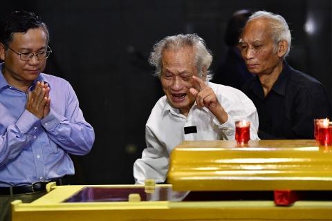 Lanh dao Dang, Nha nuoc va ban be tien biet giao su Phan Huy Le hinh anh 15