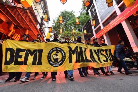 CDV Malaysia nao loan pho co Ha Noi truoc tran chung ket hinh anh 5