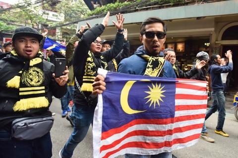 CDV Malaysia nao loan pho co Ha Noi truoc tran chung ket hinh anh 7