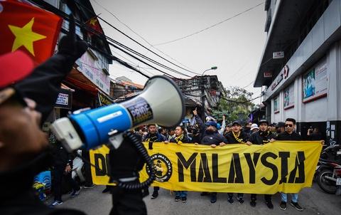 CDV Malaysia nao loan pho co Ha Noi truoc tran chung ket hinh anh 3