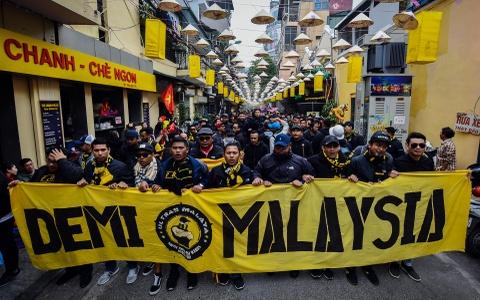 CDV Malaysia nao loan pho co Ha Noi truoc tran chung ket hinh anh 2