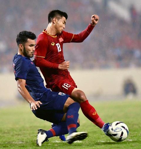 Khoanh khac U23 Viet Nam de bep nguoi Thai kho tin tren san My Dinh hinh anh 2