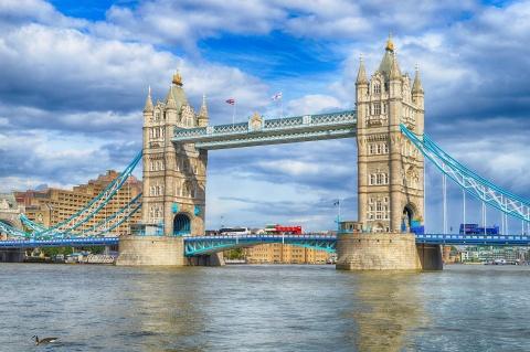 Các dòng sông nổi tiếng từng được 'hồi sinh' kỳ diệu ra sao?