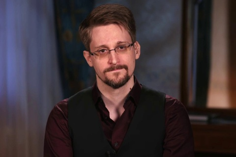Edward Snowden dong y tra 5 trieu USD cho chinh phu My hinh anh
