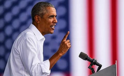 Ong Obama cong kich truc dien Tong thong Trump hinh anh