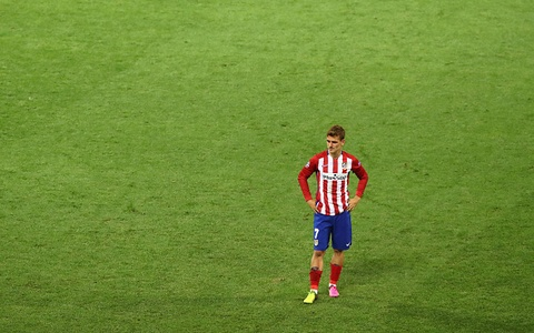 Torres va mot nua thanh Madrid chim trong nuoc mat hinh anh 14