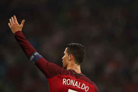 Ronaldo - Chuyen gia pha ky luc tai Euro 2016 hinh anh 10