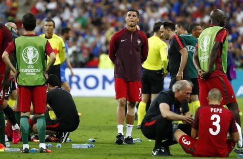 Ronaldo hon dau Nani, ho het chi dao va tiep lua dong doi hinh anh 6