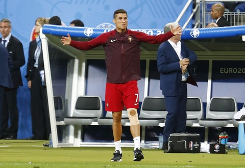 Ronaldo hon dau Nani, ho het chi dao va tiep lua dong doi hinh anh 8