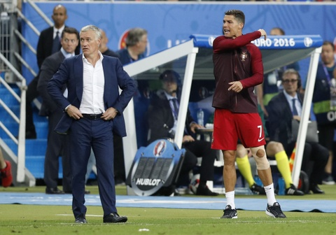 Ronaldo hon dau Nani, ho het chi dao va tiep lua dong doi hinh anh 9