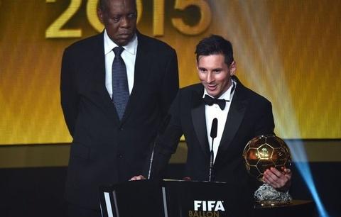 FIFA lap giai thuong canh tranh voi Qua bong vang hinh anh