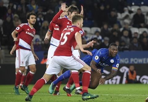 Leicester hoa hu via 2-2 nho penalty o phut bu gio cuoi hinh anh 7