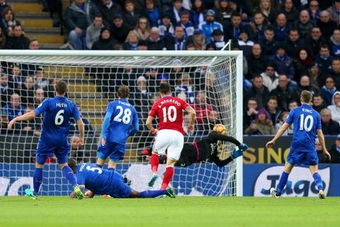 Leicester hoa hu via 2-2 nho penalty o phut bu gio cuoi hinh anh 2