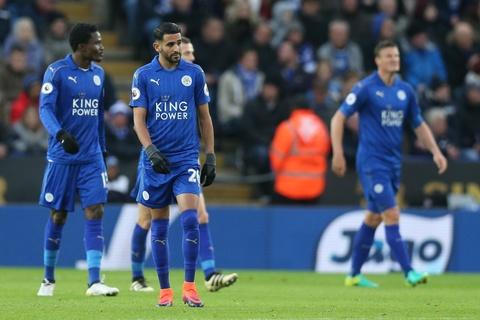 Leicester hoa hu via 2-2 nho penalty o phut bu gio cuoi hinh anh 1