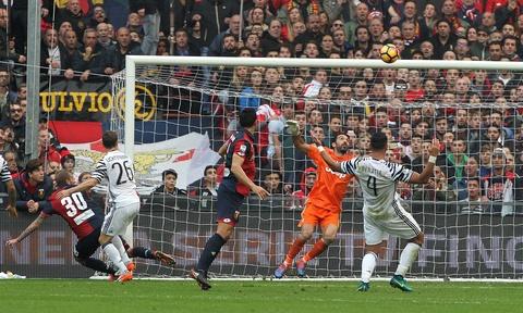 Con trai Simeone lap cu dup nhan chim Juventus hinh anh 3