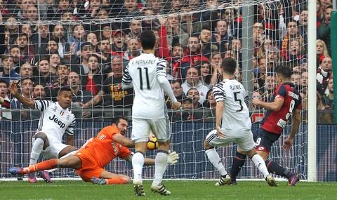 Con trai Simeone lap cu dup nhan chim Juventus hinh anh 2