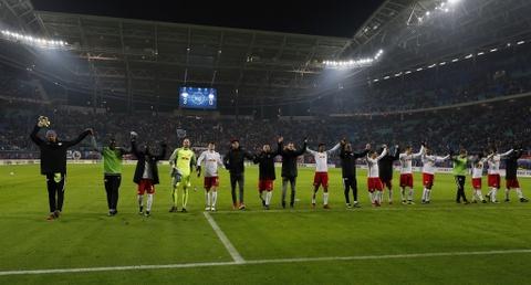 'Doi bi ghet nhat nuoc Duc' thang lon, bam sat Bayern hinh anh 8
