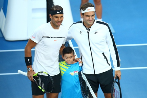 Federer nhoe le trong ngay hon cup bac chien thang hinh anh 1