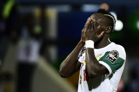 Mane suy sup vi khien Senegal bi loai hinh anh