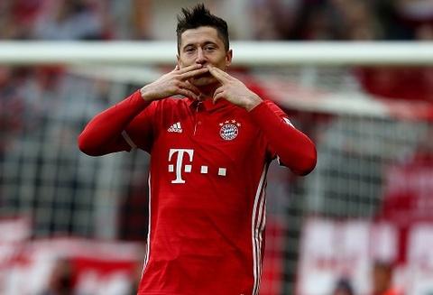 Tam anh hao Bundesliga ru nhau thang tran hinh anh