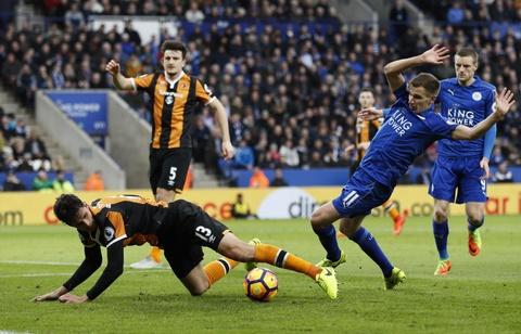 Leicester lai thang 3-1 sau khi thay tuong hinh anh 5