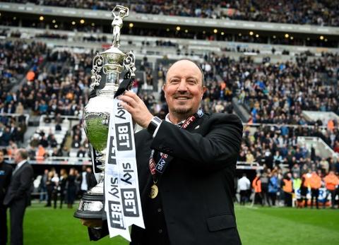 Newcastle bat champagne an mung ngoi vuong Championship hinh anh 8