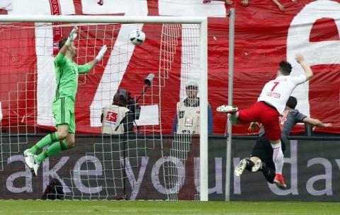 Bayern nguoc dong khong tuong 5-4 truoc RB Leipzig hinh anh 1