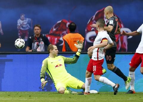 Bayern nguoc dong khong tuong 5-4 truoc RB Leipzig hinh anh 12