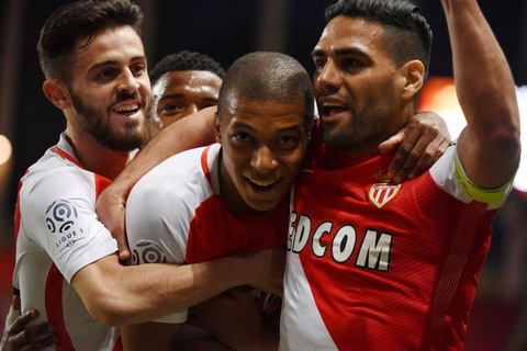 Falcao nang cup, Monaco vo dich Ligue 1 sau 17 nam cho doi hinh anh 2