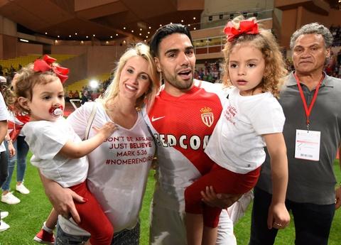 Falcao nang cup, Monaco vo dich Ligue 1 sau 17 nam cho doi hinh anh 8