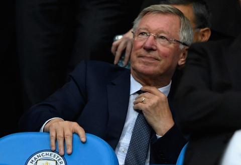 Rooney ghi ban thu hai lien tiep, Everton cam chan Man City hinh anh 3