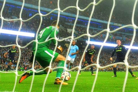 Rooney ghi ban thu hai lien tiep, Everton cam chan Man City hinh anh 4
