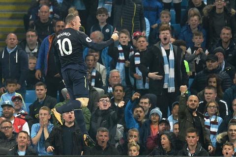 Rooney ghi ban thu hai lien tiep, Everton cam chan Man City hinh anh 5