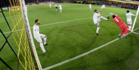 Song sat Ronaldo - Bale toa sang giup Real nhan chim Dortmund hinh anh 7