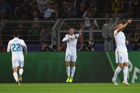 Song sat Ronaldo - Bale toa sang giup Real nhan chim Dortmund hinh anh 6