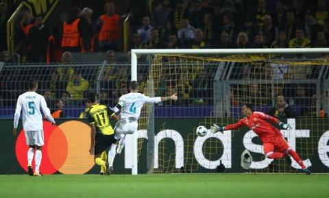 Song sat Ronaldo - Bale toa sang giup Real nhan chim Dortmund hinh anh 11
