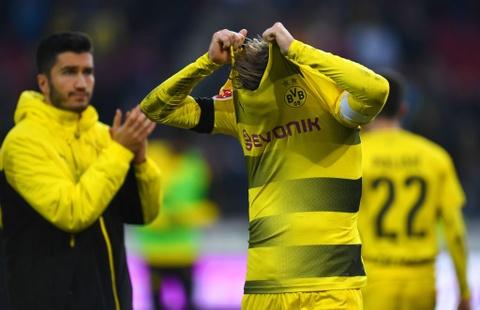 Thua tan nat 2-4, Dortmund chim sau vao khung hoang hinh anh