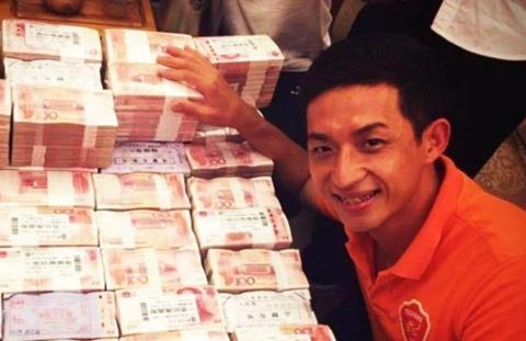 CLB Trung Quoc mung len hang voi dong tien thuong 4 trieu USD hinh anh